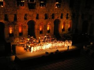 •Η χορηγία εμφανίστηκε για πρώτη φορά στην Αρχαία Ελλάδα. •Ο Κλεισθένης, θέσπισε νόμο με τον οποίο, οι πλούσιοι πολίτες ήταν υποχρεωμένοι να χορηγούν εκδηλώσεις, κυρίως στις διονυσιακές γιορτές.